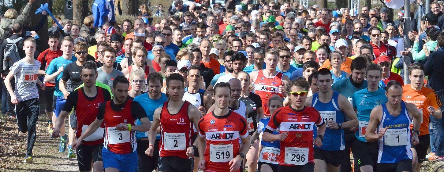 gemeinsamer Start der Jugendlichen über 5 km und des 15-km-Feldes