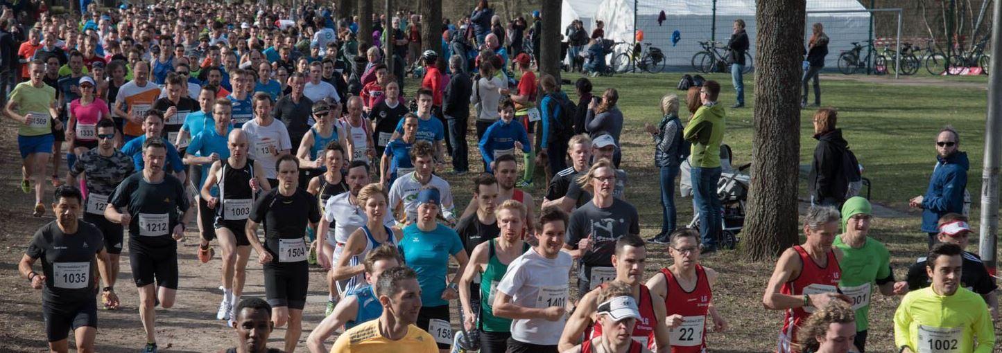 Start des 10-km-Laufs und der Staffeln